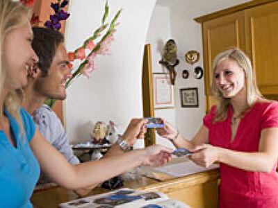 Übergabe der Gastein Card