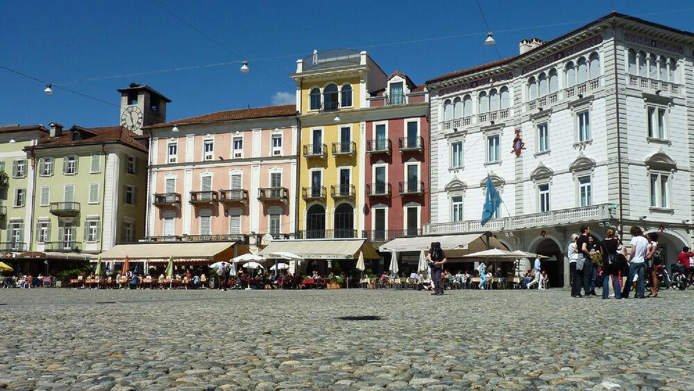 Blick auf den Piazza Grande in Locarno