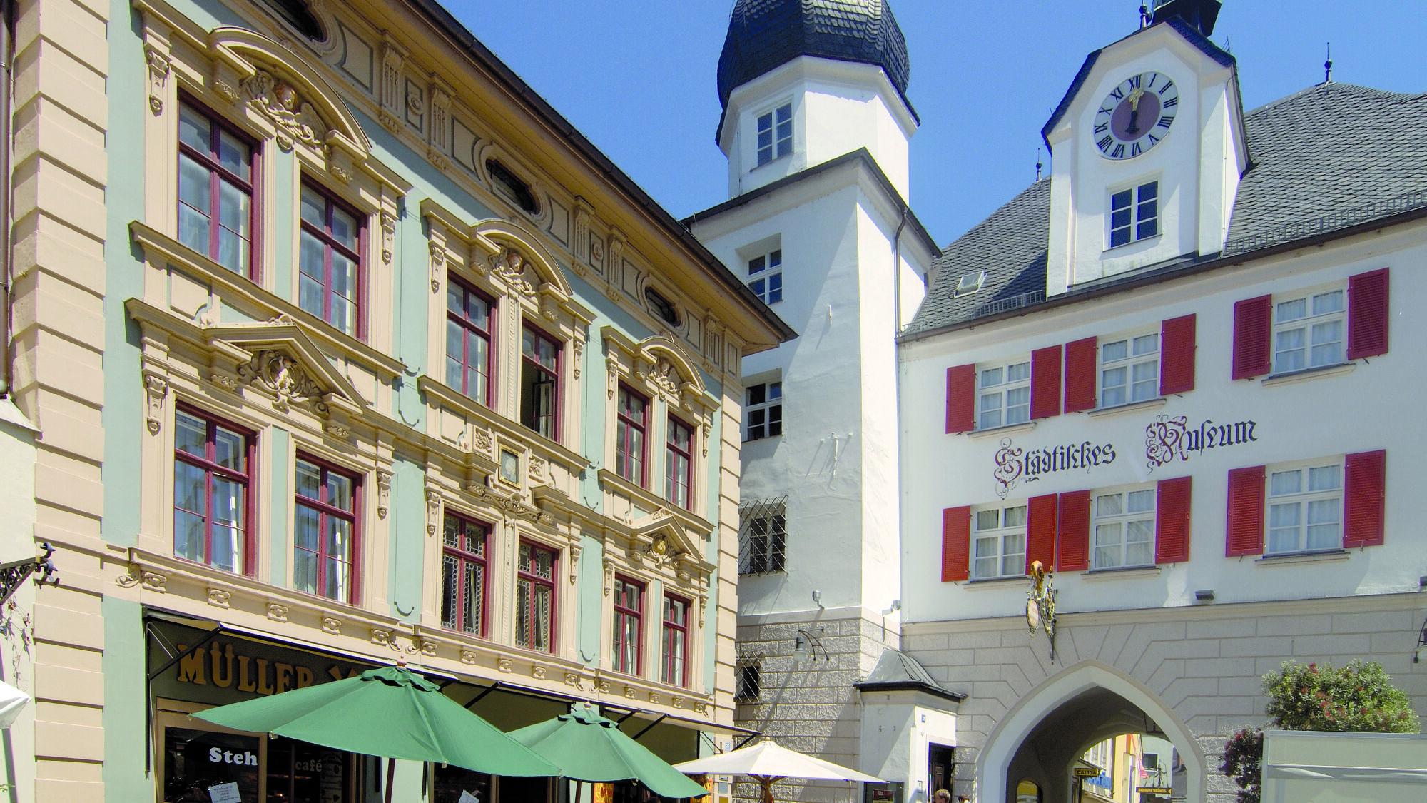 Blick auf das Mittertor in Rosenheim