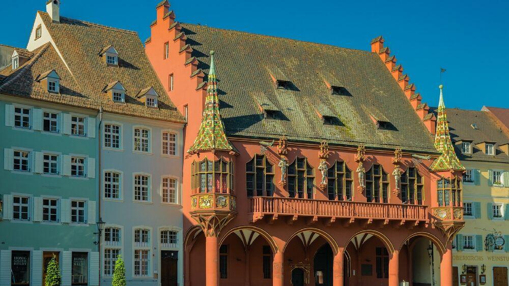 Blick auf das Historische Kaufhaus in Freiburg