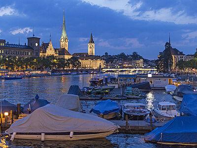 Die Promenade von Zürich bei Nacht