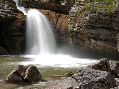 Es rauscht in der Zugspitz Region: Hier die Kuhfluchtwasserfälle.