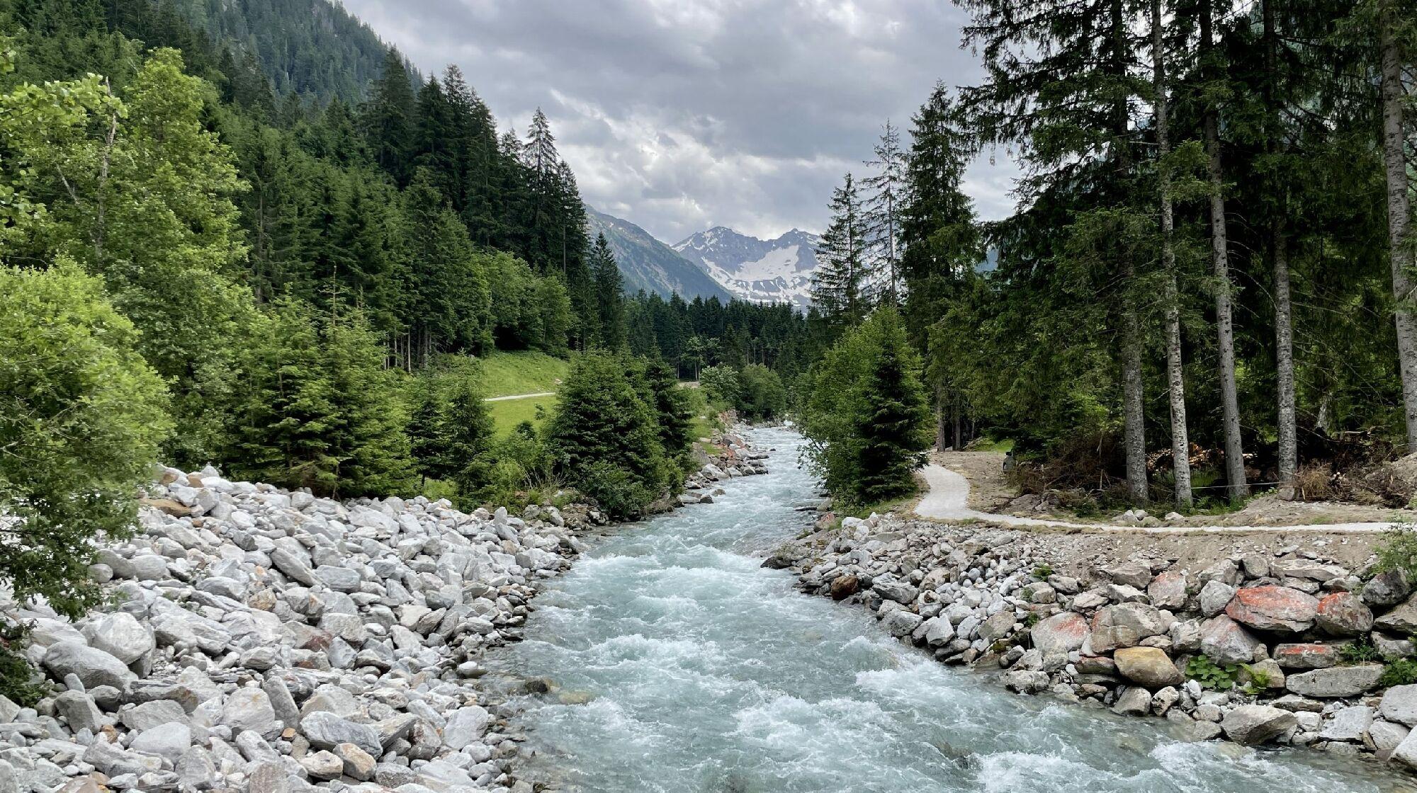 Taleinwärts unterwegs auf dem Wasserfallweg