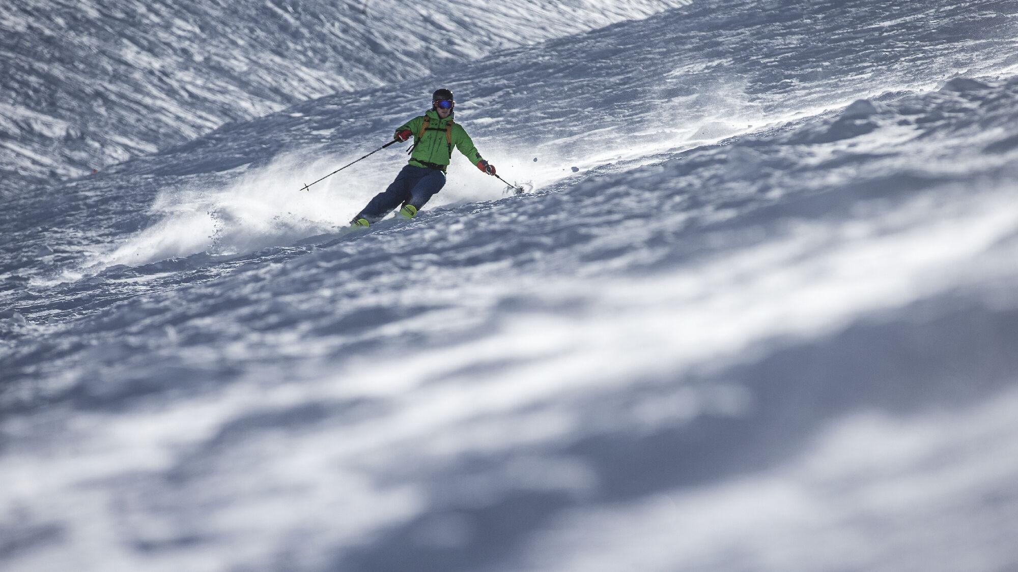 Wer sportlich Skifahren möchte, sollte sich schon im Sommer darauf vorbereiten
