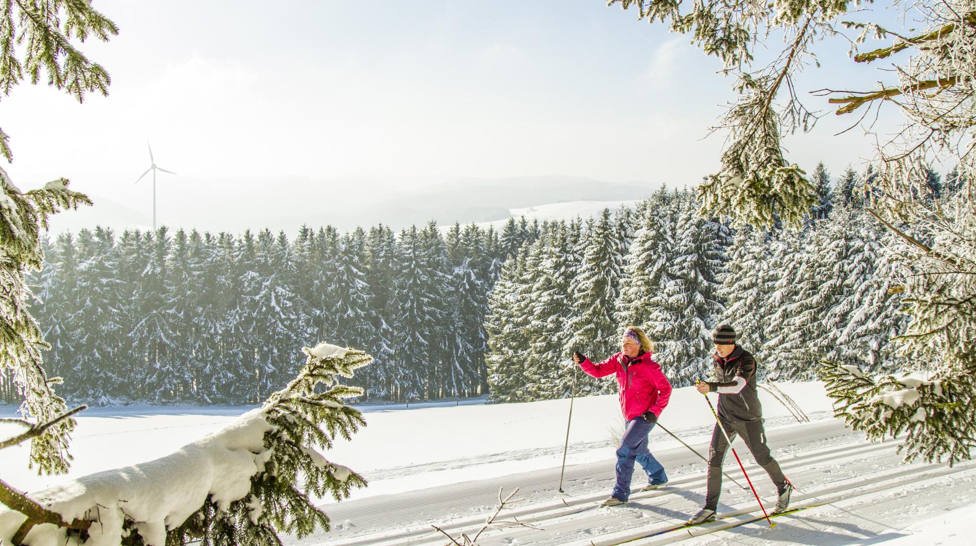 Langläufer in der Wintersport-Arena Sauerland