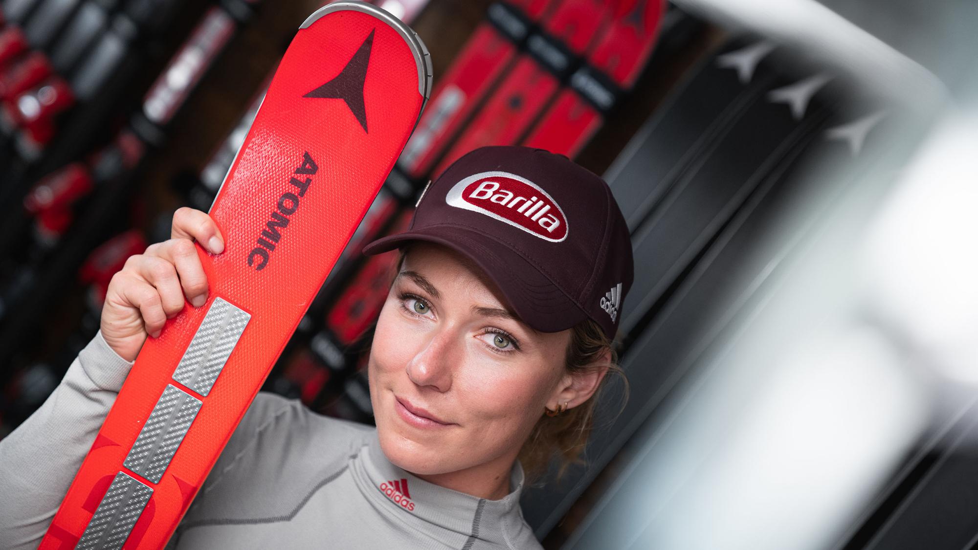 Mikaela Shiffrin mit dem neuen Redster Ski