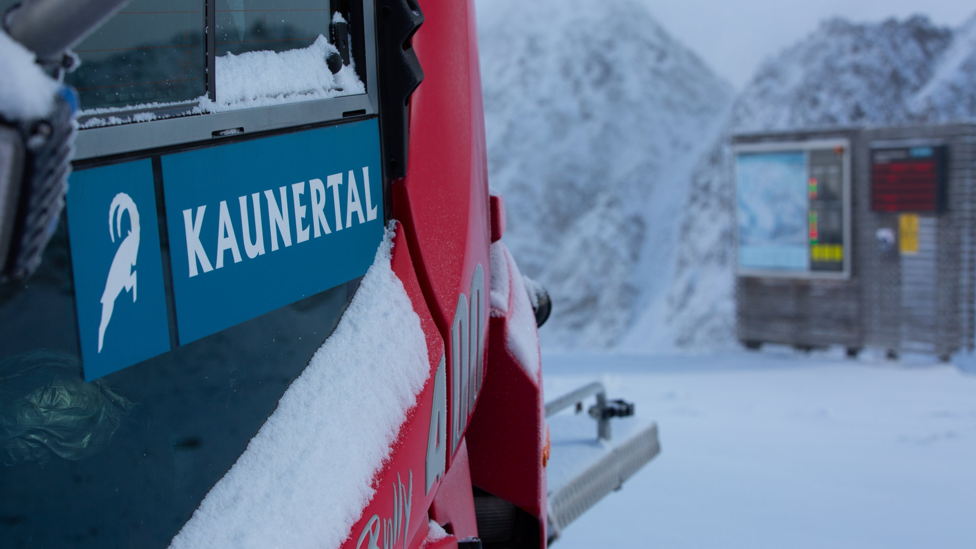 Pistenbully am Kaunertaler Gletscher