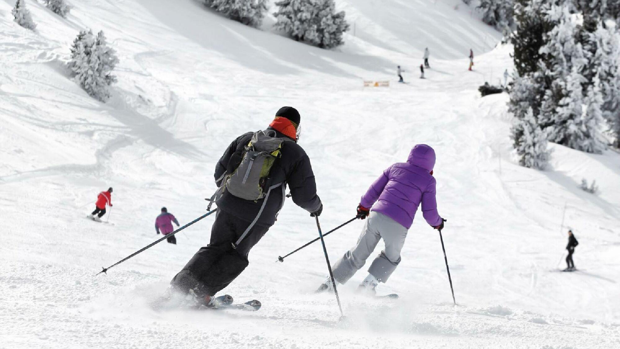 Skifahren lernen geht schnell: Schon nach kurzer Zeit können Anfänger ihre erste Piste meistern