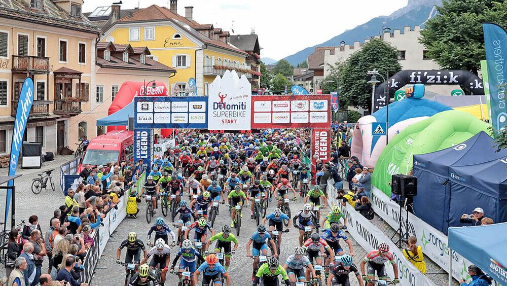 Start des Dolomiti Super Bike