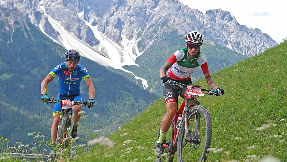 Die Fahrer beim Dolomiti Super Bike