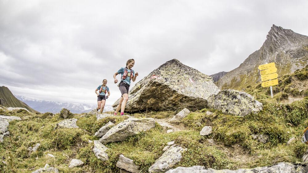 Läuferinnen beim Transalpine Run
