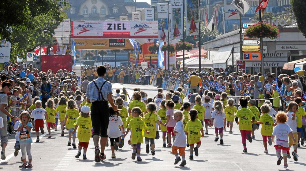 Kinder beim Minirun des Jungfrau-Marathons