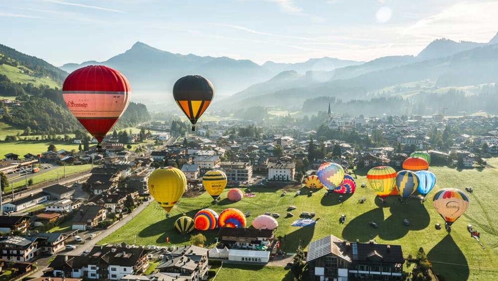 Ballons über Kirchberg