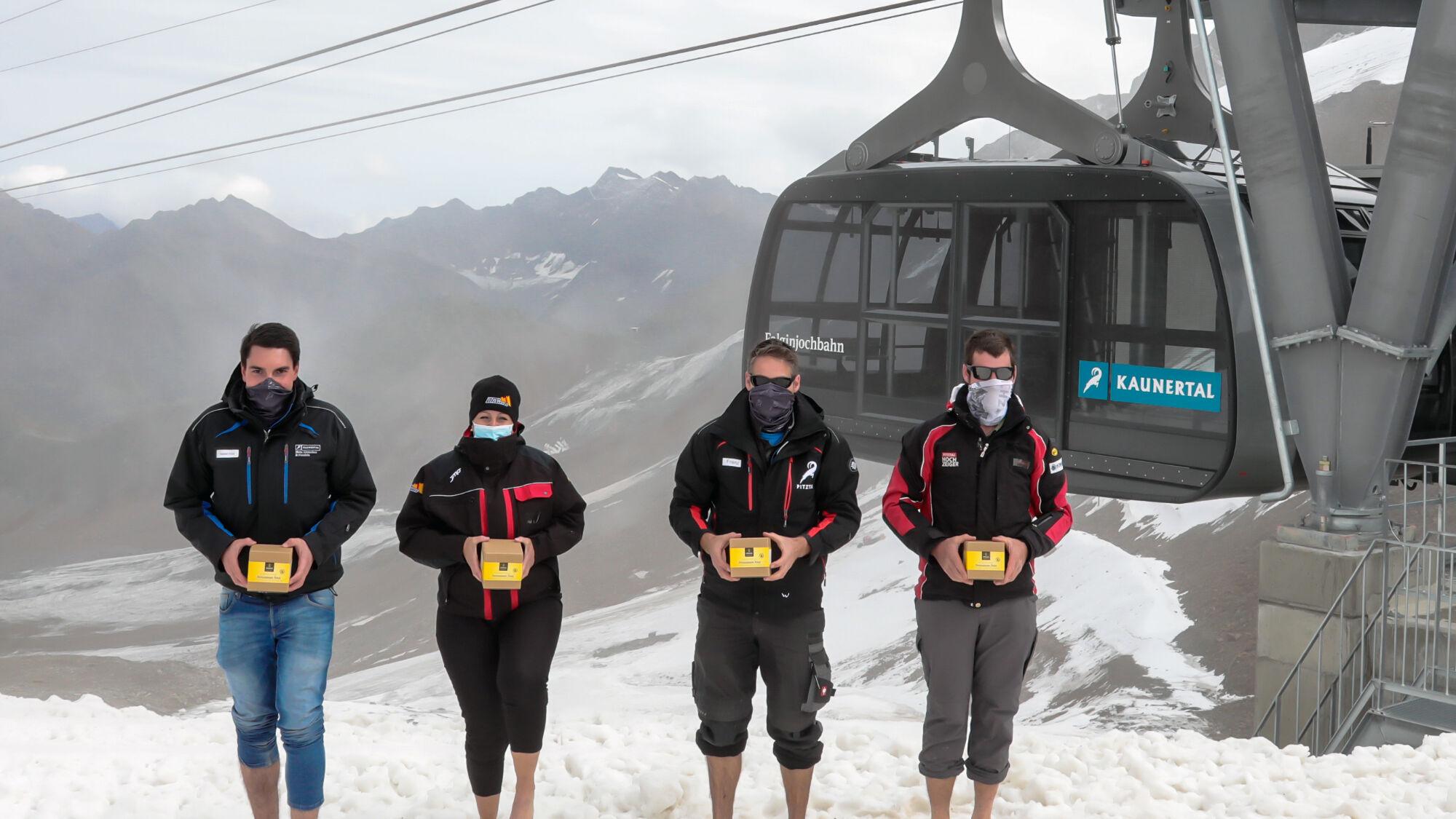 Mitarbeiter des Gletscherparks Tirol