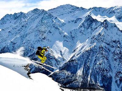 Freerider im Skigebiet Via Lattea