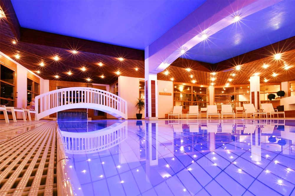 Indoor-Pool im Hotel Montafoner Hof in Tschagguns
