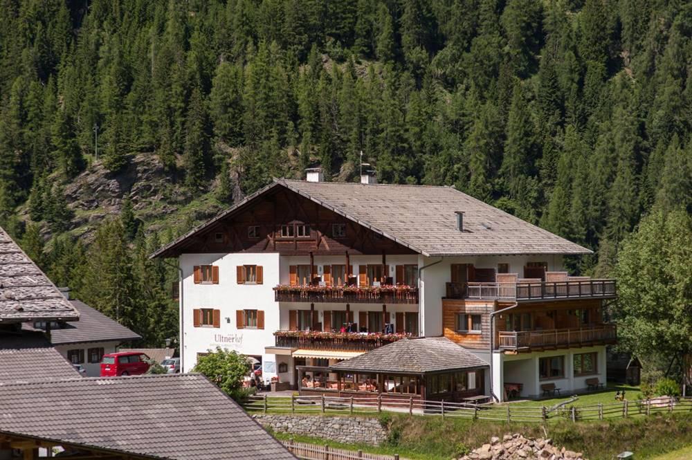 Hotel Ultnerhof im Sommer