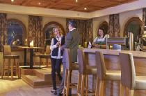 Die Bar im Alpeiner Nature Resort Tirol