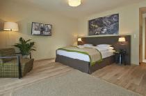 Eine Junior-Suite im Alpeiner Nature Resort Tirol