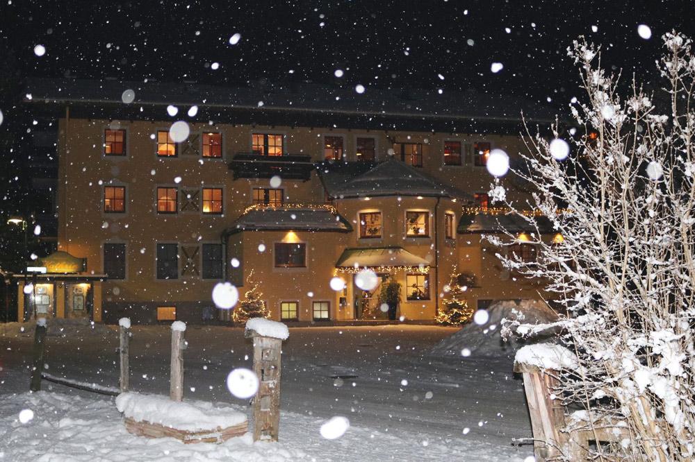 Aussenansicht vom Hotel Kathrin in Großarl im Winter