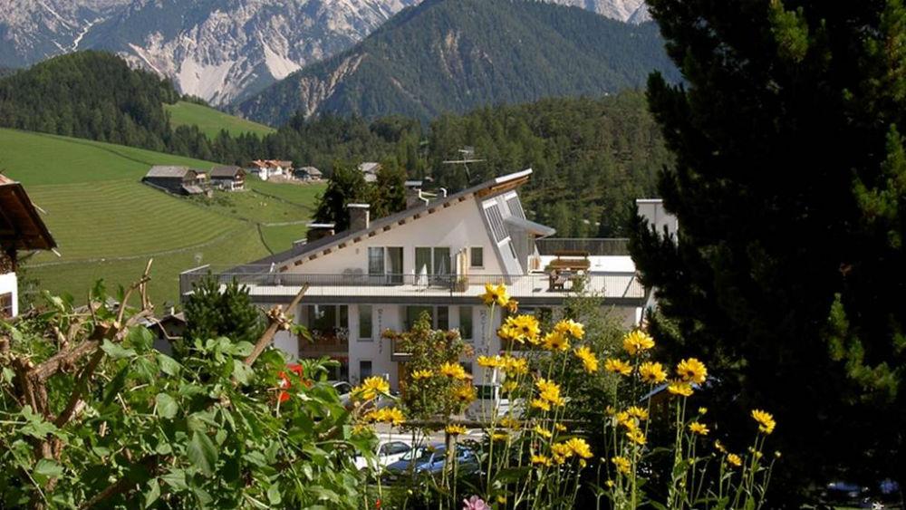 Aussenansicht vom Hotel Pütia in St. Martin in Thurn
