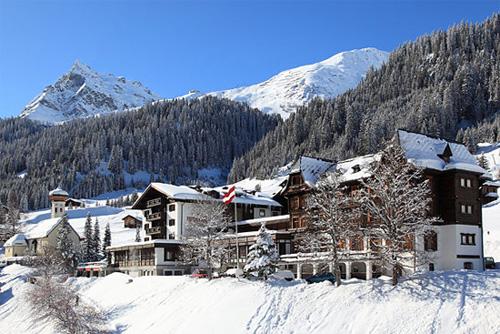Blick auf das Hotel Madrisa in Gargellen im Winter