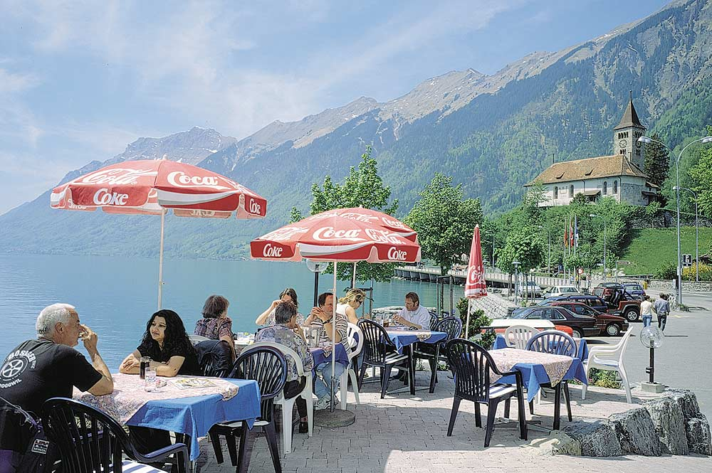 Terrasse des Seerestaurants Löwen in Brienz