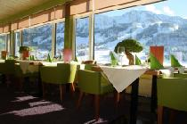 Blick ins Restaurant des Kinderhotels Oberjoch in Bad Hindelang