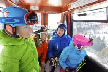 Familie in der Red Pine Gondel in Park City © Vail Resorts