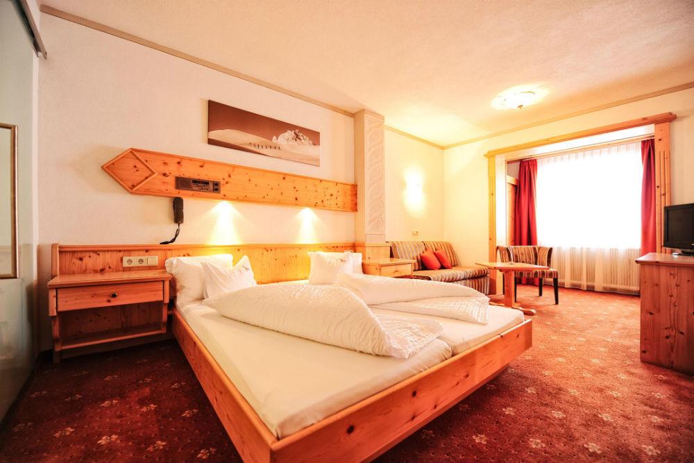 Ein gemütliches Doppelzimmer im Hotel Toni