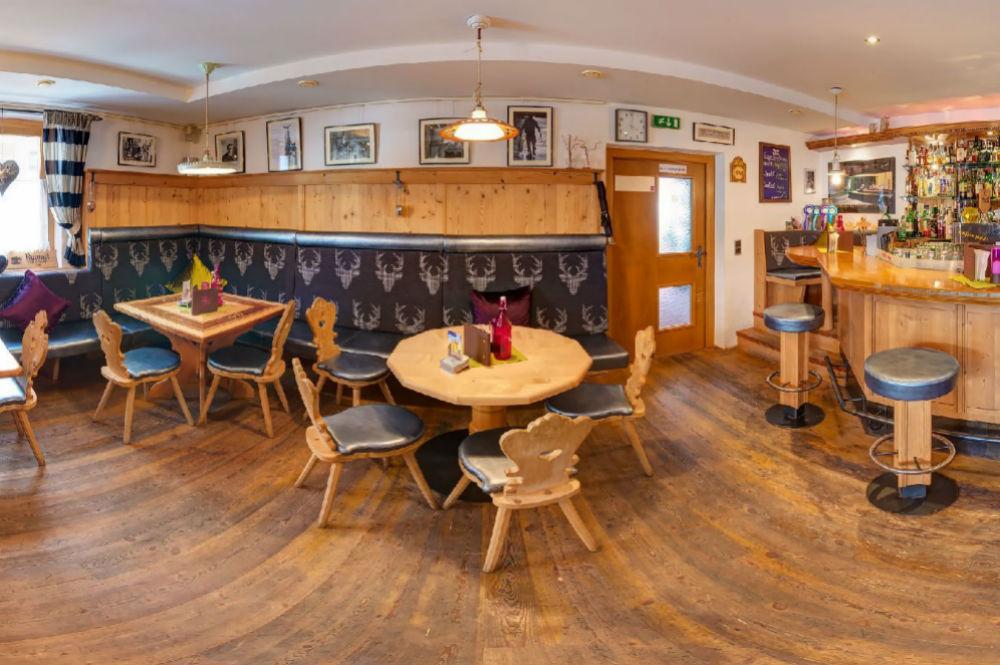 Die Hemingway Bar im Hotel Toni