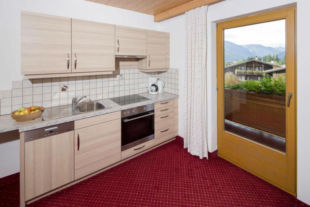 Die Küche vom Appartement Alpbachtal im Landhaus Greil