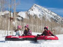 Tubing-Spaß in Crested Butte © Tom Stillo