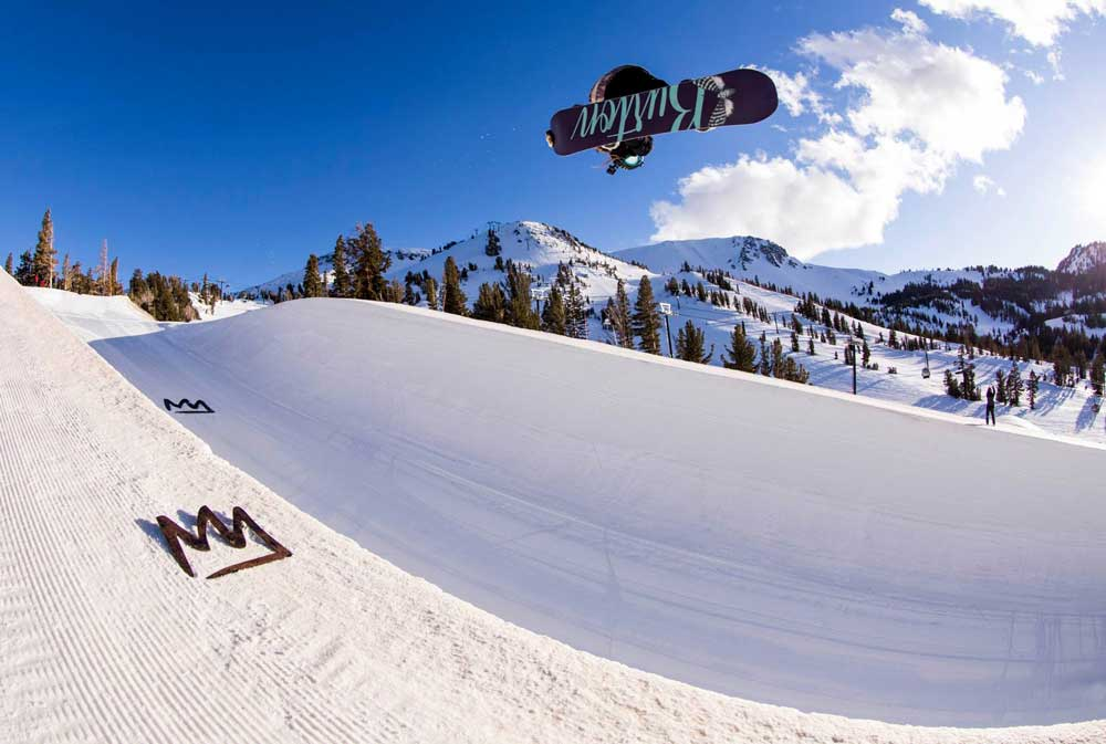 Halfpipe in Mammoth Mountain