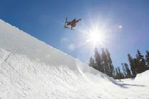Sprung in der Halfpipe in Sierra © Sierra at Tahoe, Paul Walker Photography
