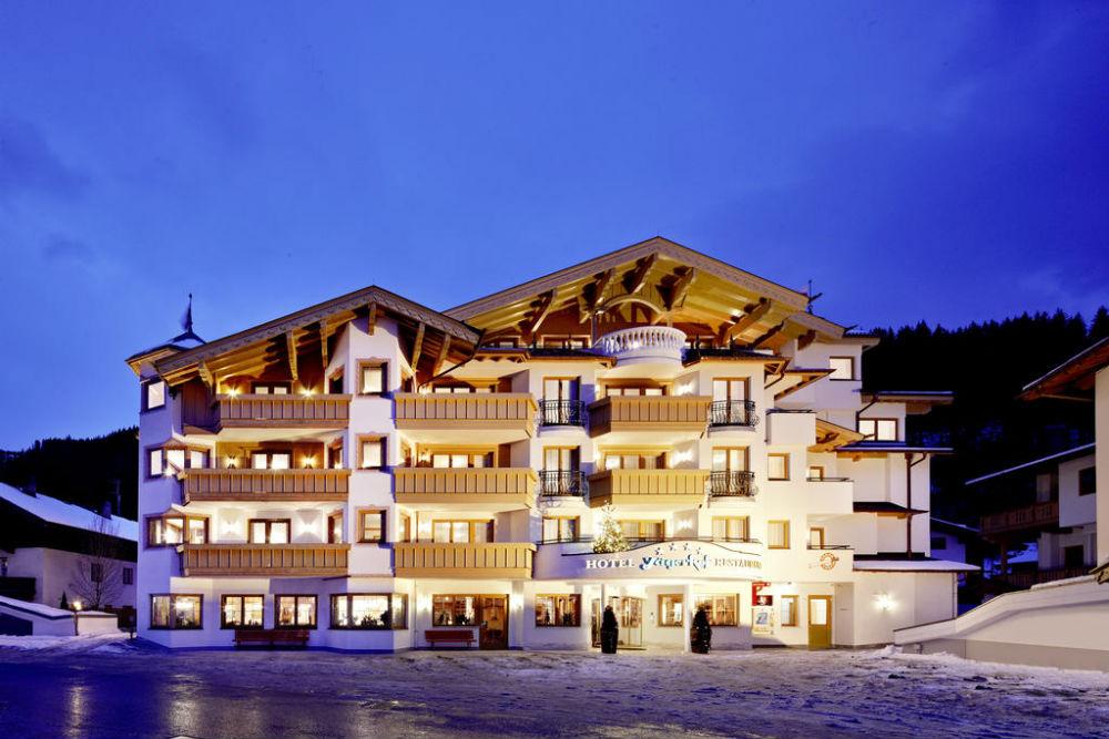 Aussenansicht vom Hotel Restaurant Jägerhof in Gerlos im Winter