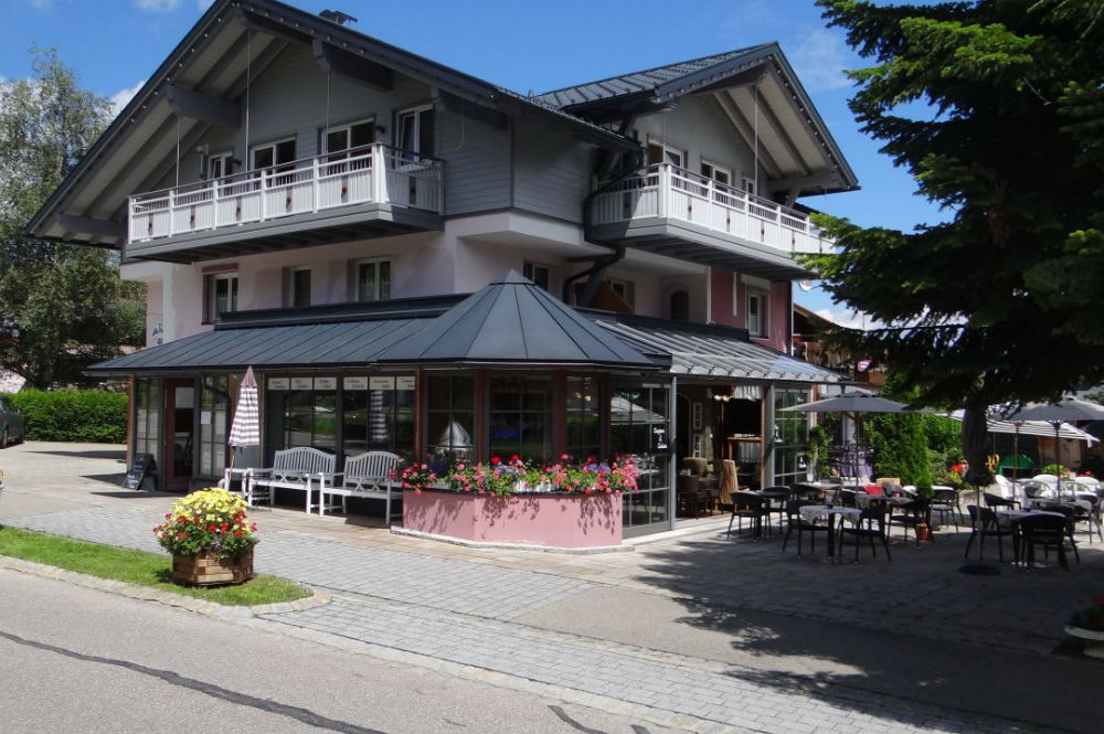 Vintage-Hotel Charivari