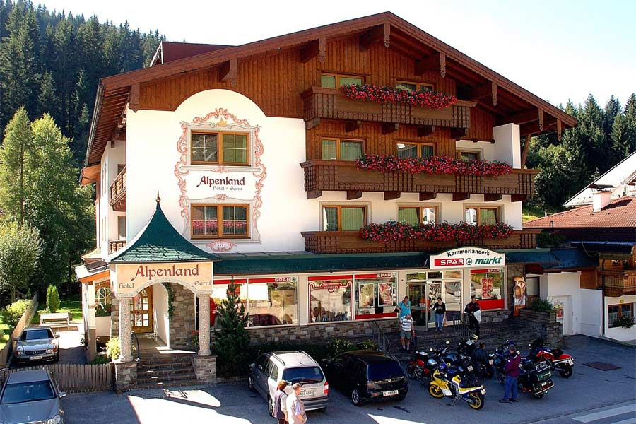 Hausansicht Hotel Garni Alpenland in Gerlos