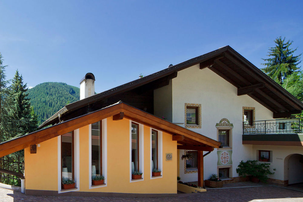 Blick auf die Residence Ulrike in Welschnofen im Sommer