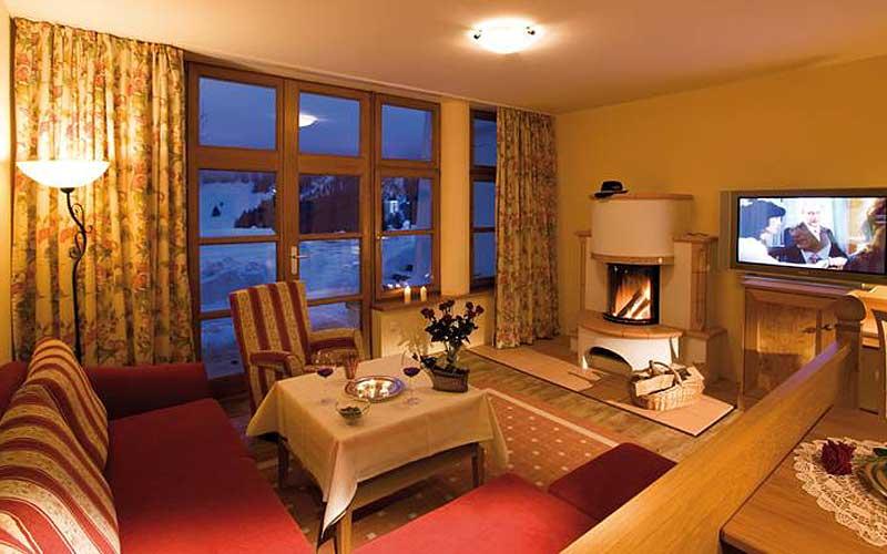 Blick in die Suite Sissy des Hotels Alte Krone in Mittelberg