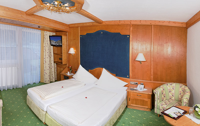Blick ins Zimmer Almhof Classic im Almhof Lackner in Ried im Zillertal