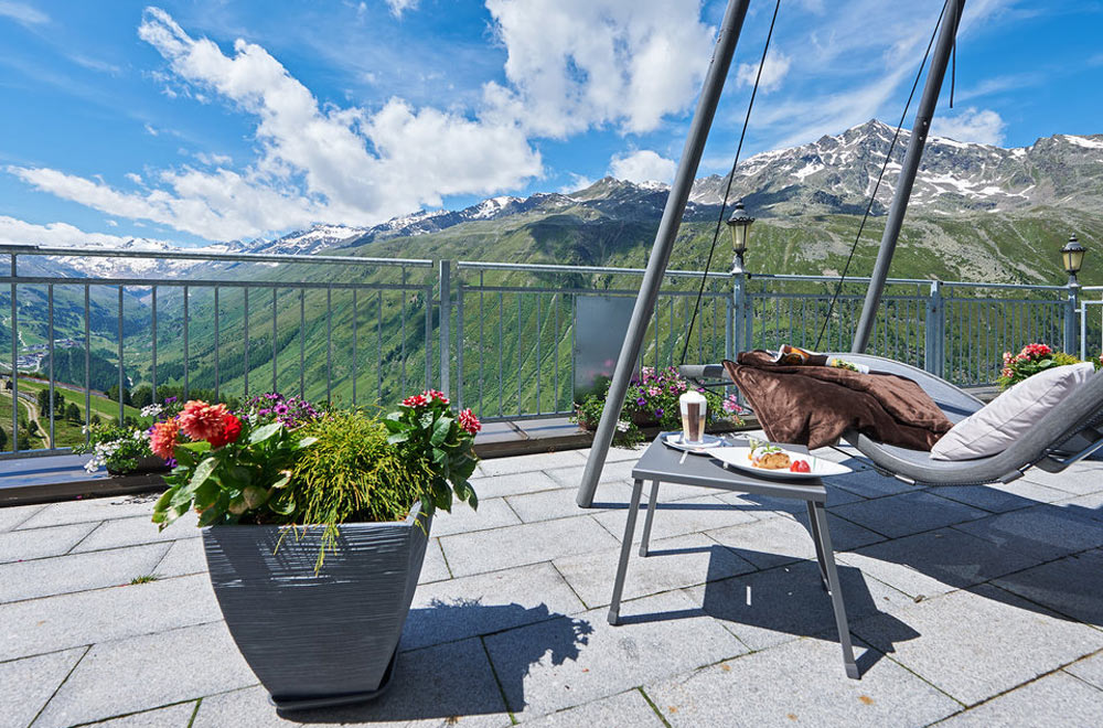 Sonnenterrasse des Alpenhotels Laurin in Obergurgl