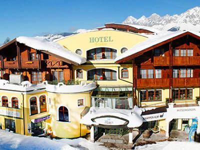 Blick auf das Hotel Erlebniswelt Stocker im winterlichen Schladming-Rohrmoos
