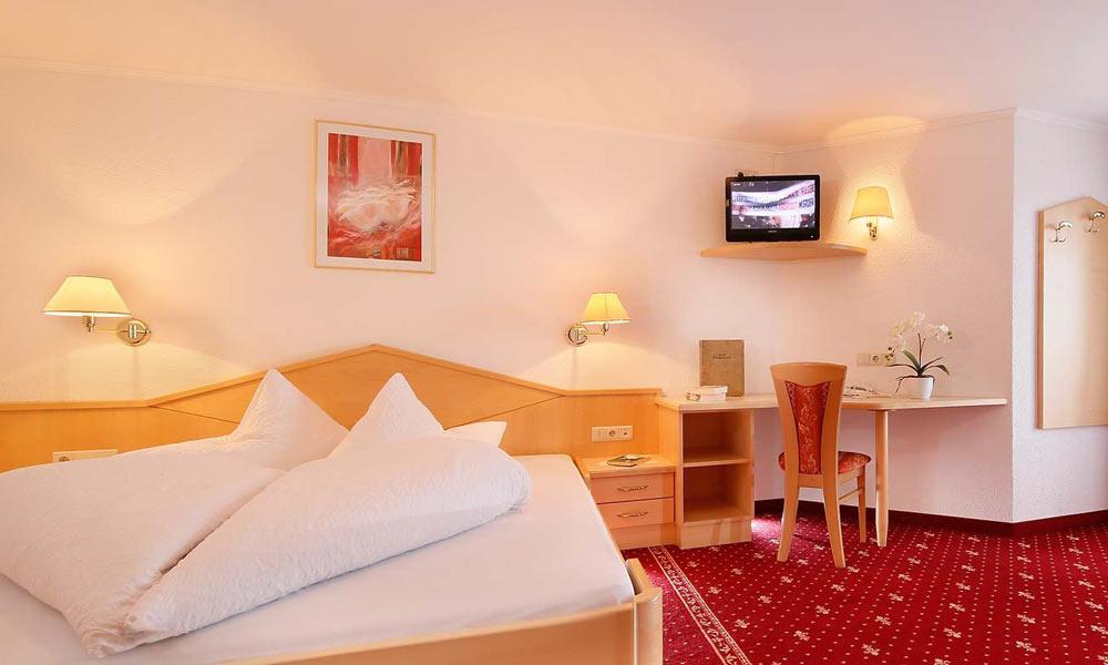 Zimmer im Hotel Alpenblick in Pfelders