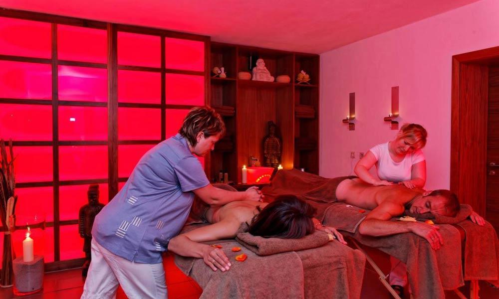 Massage im Spabereich des Wellnesshotels Reibener Hof in Konplatz