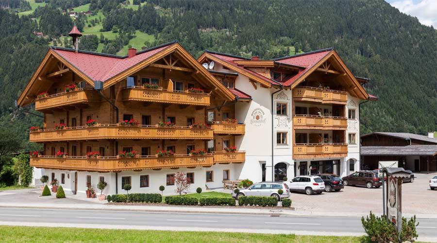 Hausansicht Ferienhotel Sonnenhof in Zell im Zillertal