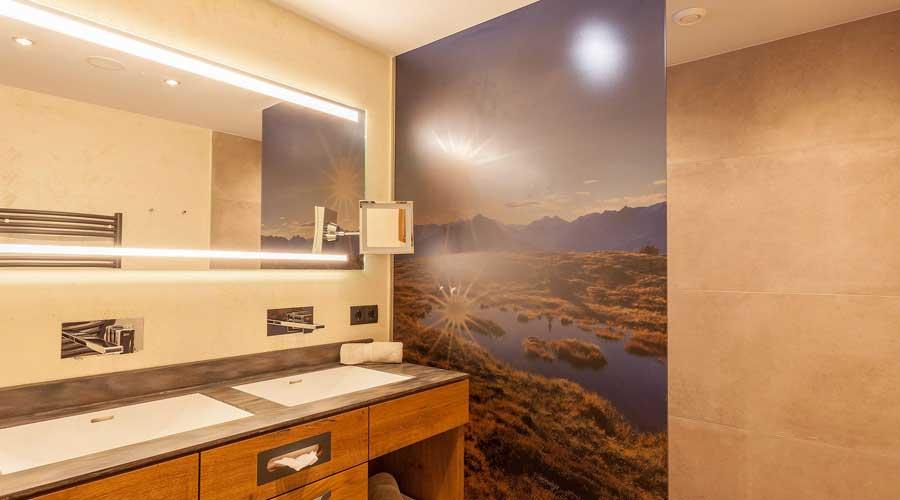 Badezimmer in der Suite im Hotel Sonnenhof