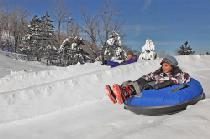 Snowtubing im Resort © bluemountain.ca