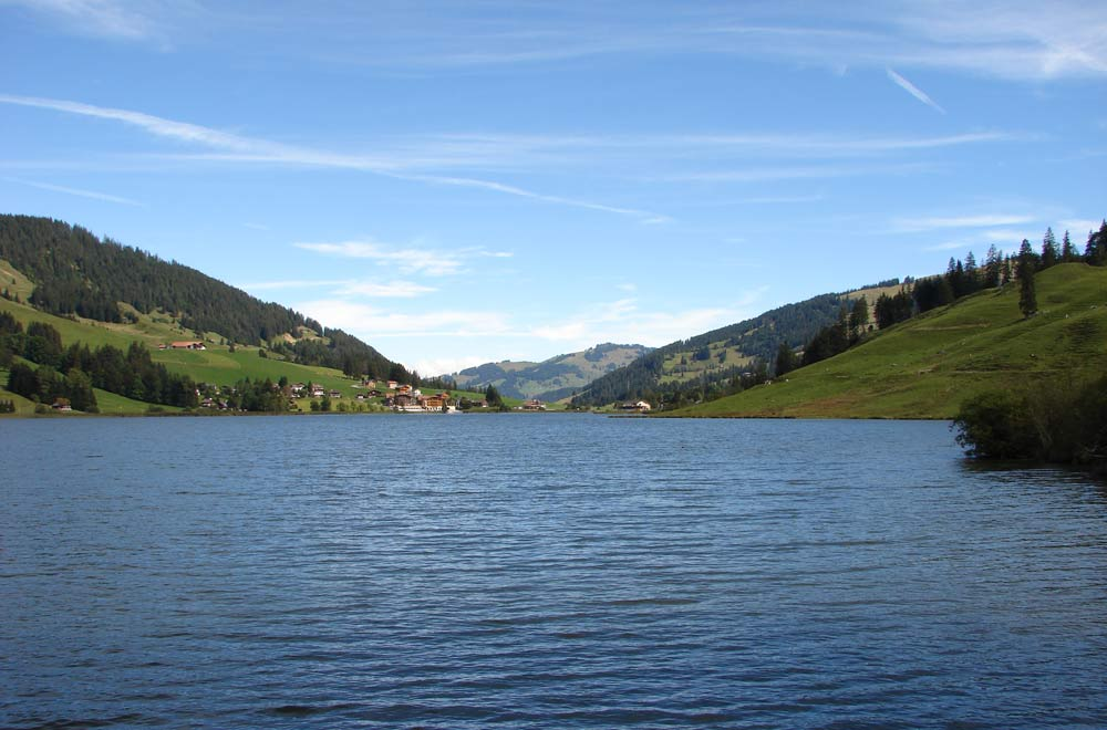 Blick auf den Schwarzsee © Ginkgo2g (CC BY-SA 3.0) via Wikimedia Commons