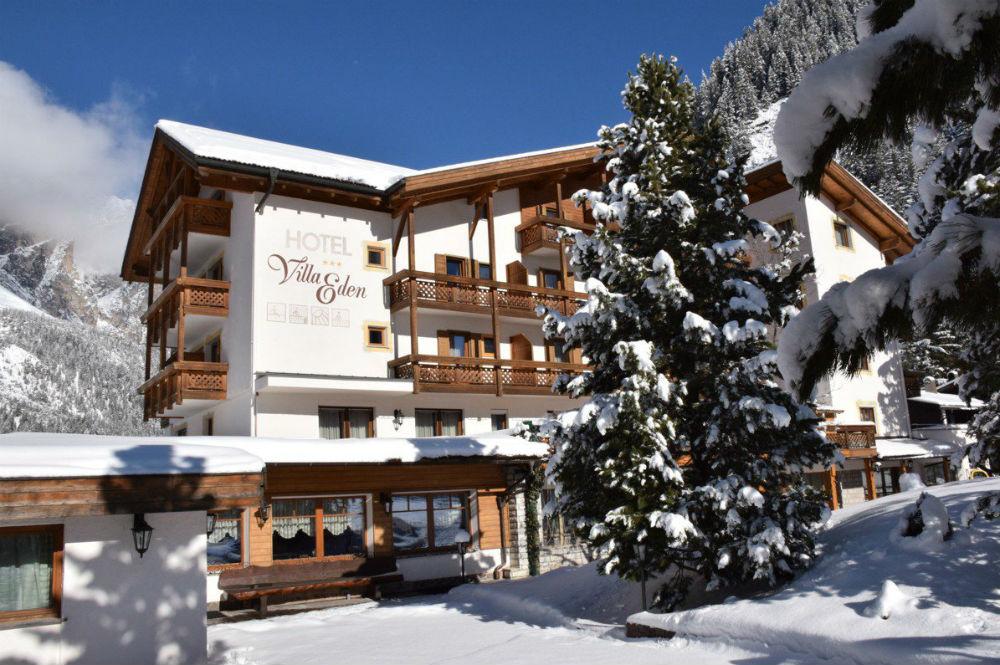 Aussenansicht vom Hotel Villa Eden im Winter